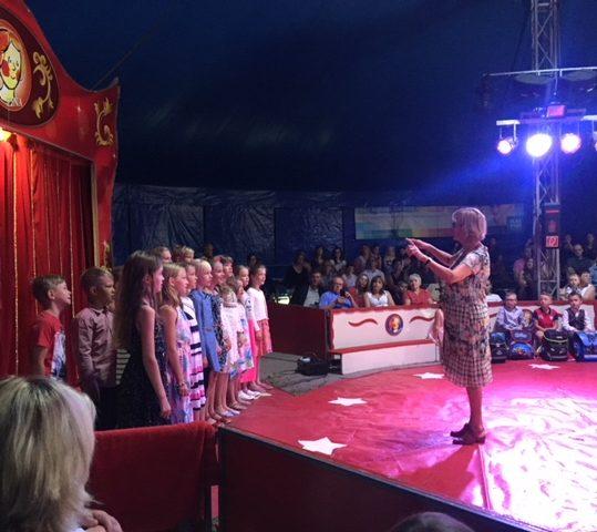 Einschulung im Zirkuszelt